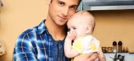 Tata i mala beba