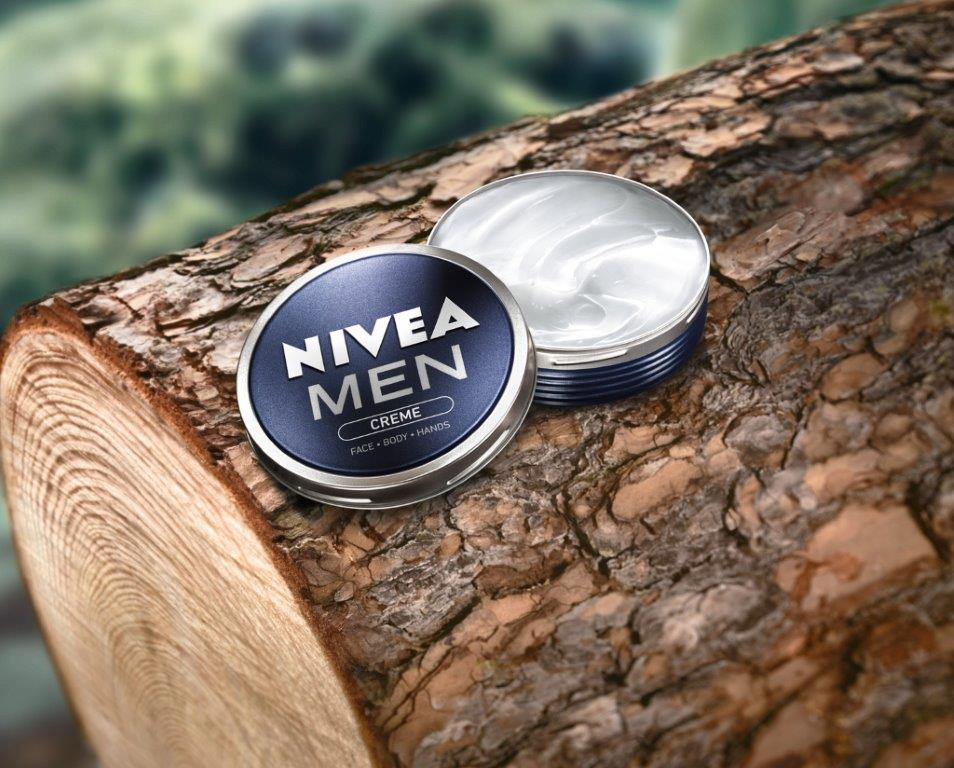 NIVEA_MEN_Creme on tree
