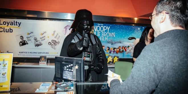 Darth Vader uručio 25.000 ulaznicu